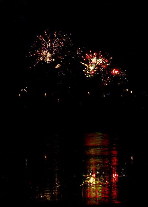 11 fireworks photos stacked in Affinity Photo using maximum value.